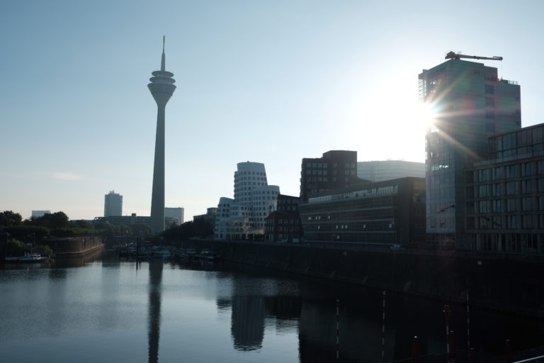 Die Feinstaubbelastung in Düsseldorf ist deutlich zu hoch. Foto: Peter Sieben