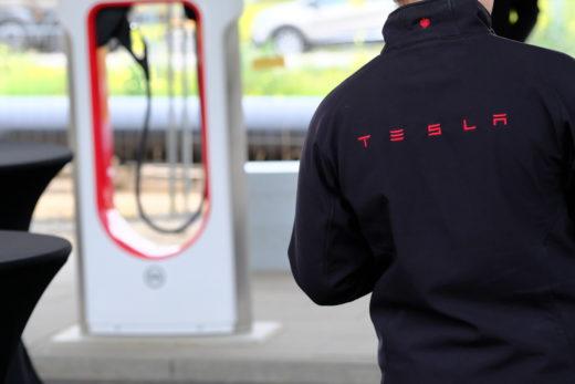 Tesla: Der Cybertruck ist noch ein großes Mysterium. Wie wird das Fahrzeug am Ende wirklich aussehen? Foto: Peter Sieben