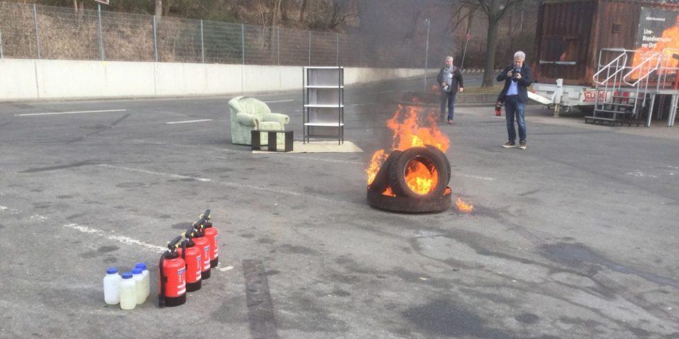 Brandversuche gibt es wieder zur Live-Feuertrutz in 2021. Ansonsten mangelte es der Feuertrutz Digital an nichts. Foto: Annika Hilse ( Archivbild: Feuertrutz 2019)