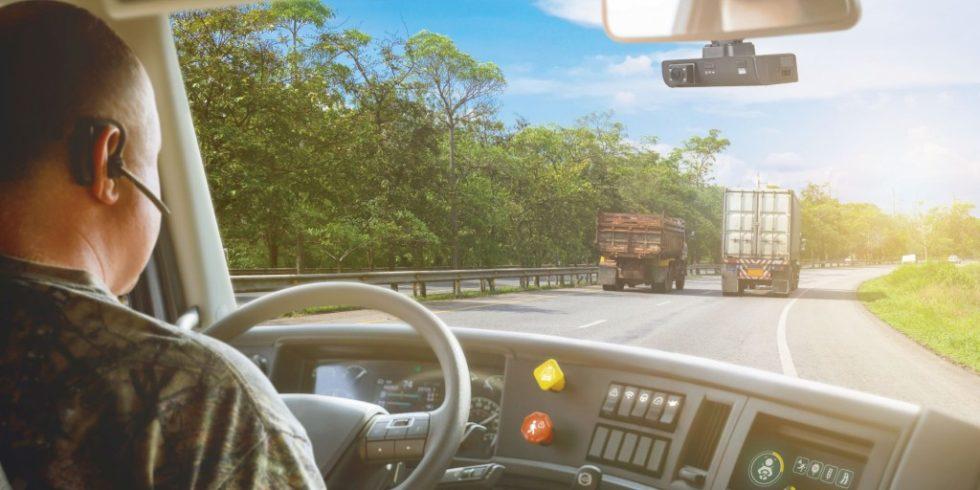 Zur Unterstützung der Fahrer und zur Vermeidung von Unfallrisiken kommen heute kameragestützte Assistenzsysteme zum Einsatz. Foto: VIA Technologies