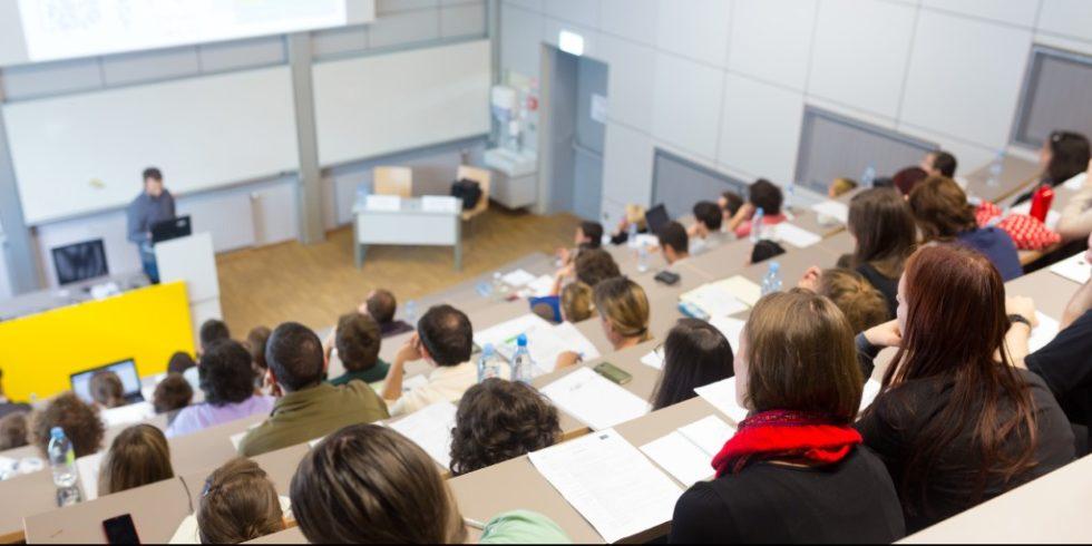 An der Hochschule Reutlingenlernen die Studierenden in ihrer Ausbildung, wie Sie durch Ihr Verhalten Innovationen treiben oder hemmen und wie sie nachhaltig den Erfolg eines Innovation-HUBs gestalten. Foto: panthermedia.net/kasto