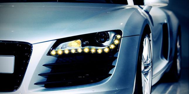 Audi Front mit Scheinwerfer