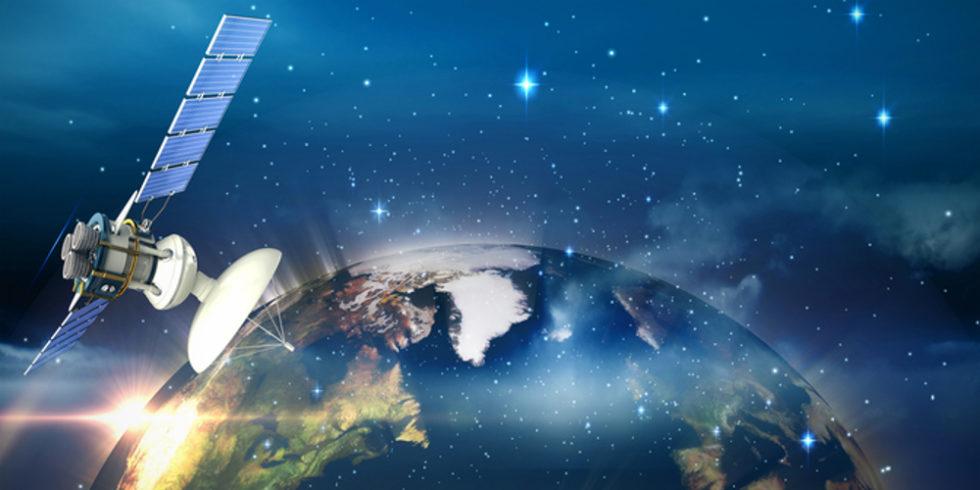Satellit über Erde