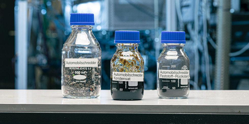 Kunststoff in Gläsern