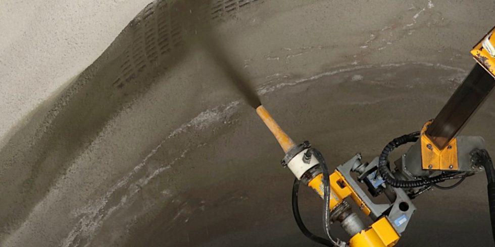 Spritzbeton sichert den Tunnelbau. Foto: ASSpC – TU Graz
