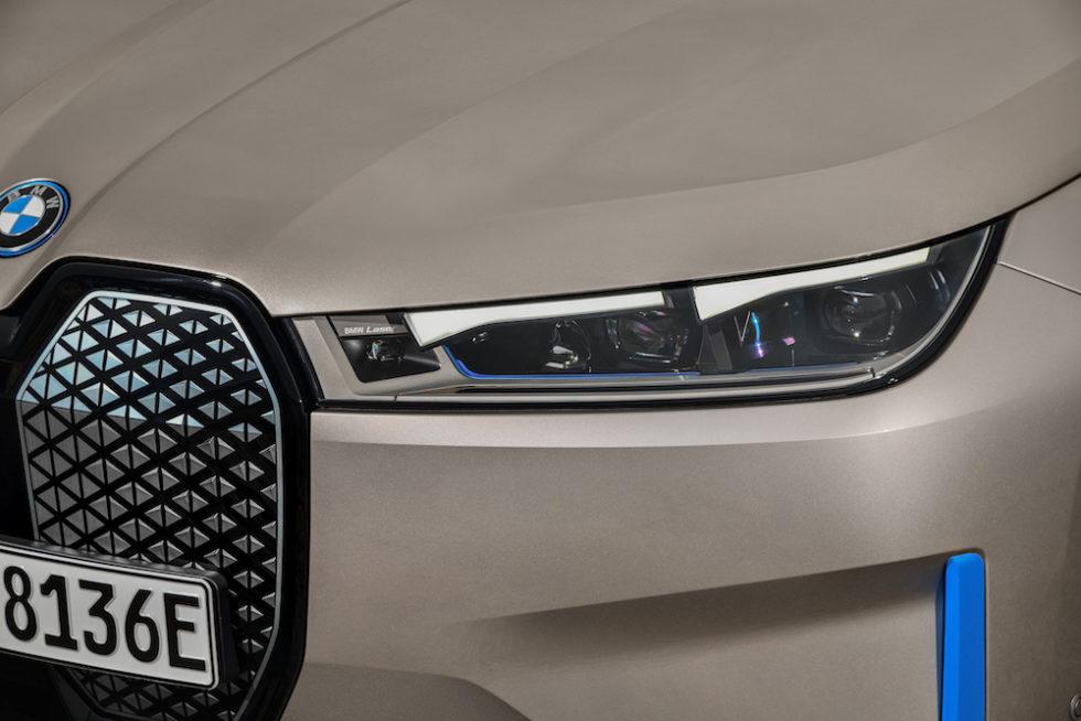 Flache Scheinwerfer BMW iX
