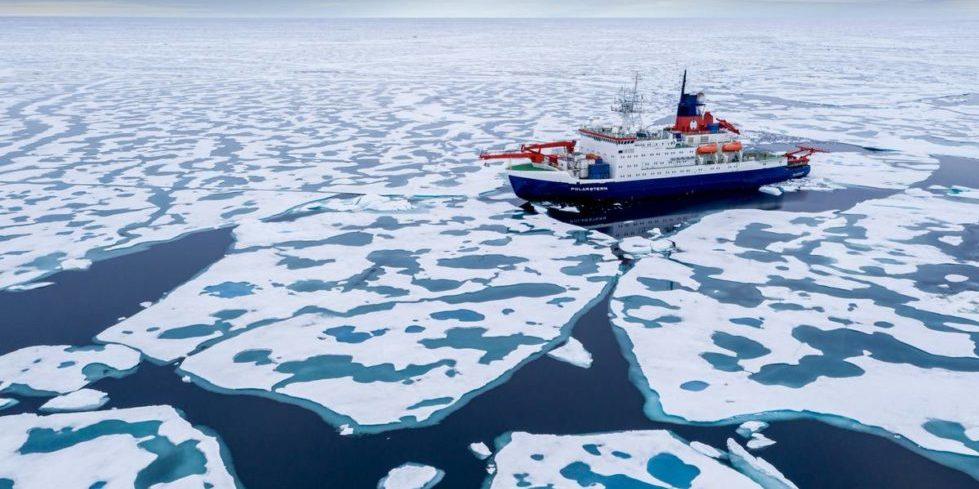 Die Polarstern kurz vor dem Nordpo