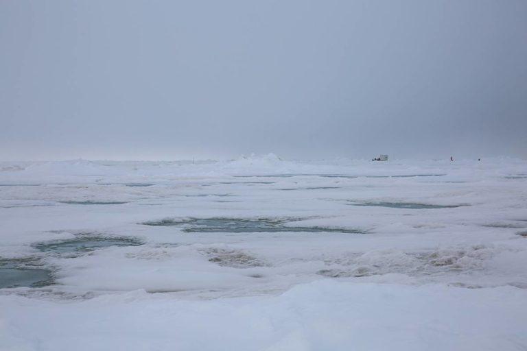 Die Eisscholle der Polarstern. Foto: Alfred-Wegener-Institut/Lisa Grosfeld