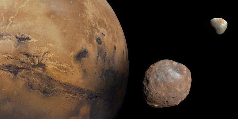 Die beiden Mars-Monde Phobos und Deimos.