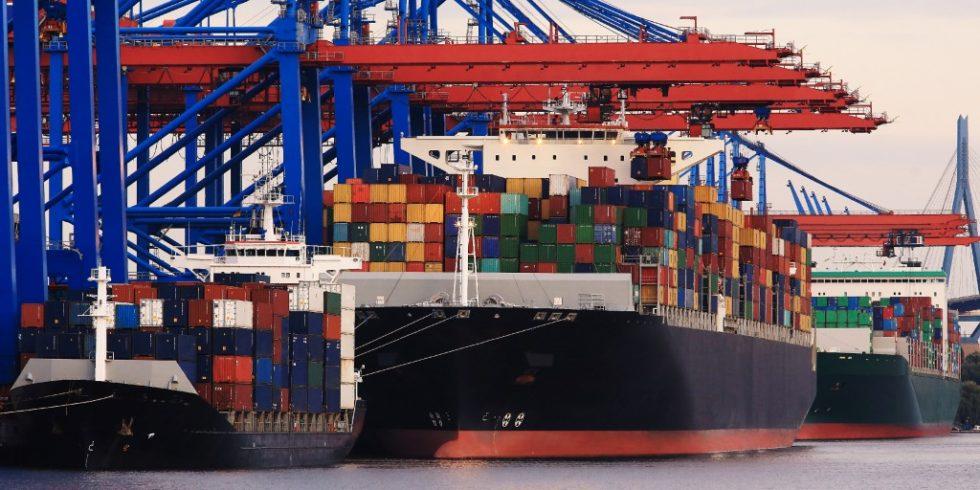 Seit Juli geht es mit denUmschlagmengen im Hamburger Hafen wieder aufwärts. Dennoch rechnet die Betreibergesellschaft zum Jahresende mit Corona-bedingten Verlusten im einstelligen Prozentbereich. Foto: panthermedia.net/Canopus