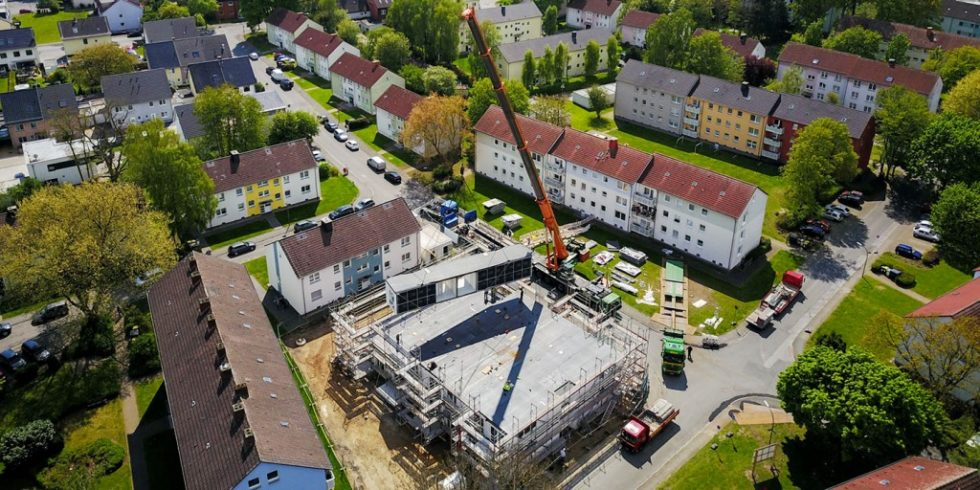 Die Vorfertigung und die kurze Bauzeit durch die Modulbauweise sorgen für weniger Baustellenverkehr und einer Reduktion von Lärm und Baustaub Foto: ALHO Holding GmbH