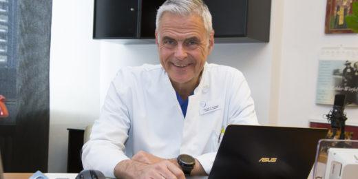 Divi-Präsident Uwe Janssens ist Chefarzt der Klinik für Innere Medizin und Kardiologie im St.-Antonius-Hospital Eschweiler. Auf einem Kongress sagte er: Der Lockdown light zeige kaum Effekte. Foto: Thomas Weiland.