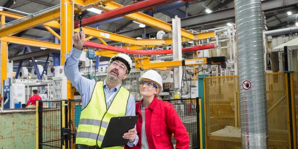 Im Maschinenbau muss ein Unternehmen gewährleisten, dass die gesetzlichen Sicherheits- und Gesundheitsschutzanforderungen eingehalten werden, sodass durch sein Produkt weder Umwelt noch Nutzer zu Schaden kommen. Foto: CE-Con