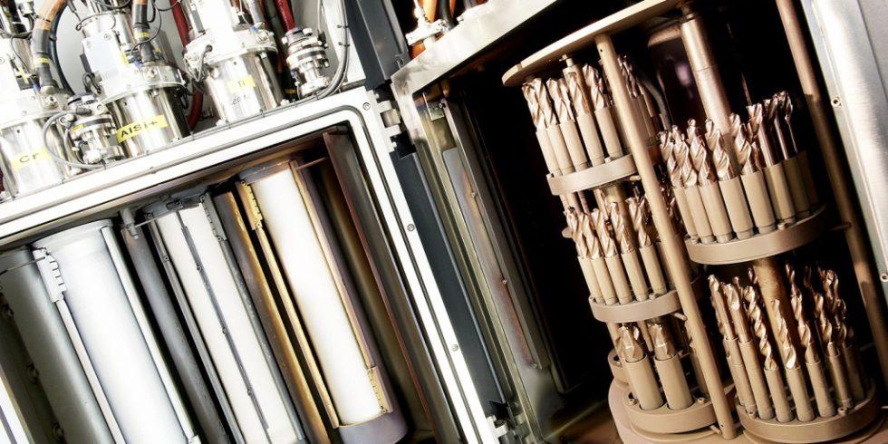 Werkzeuge können dank hochmoderner Anlagentechnik bei den Spezialisten aus Sien solange entschichtet, geschliffen und wiederbeschichtet werden, wie es die Werkzeuggeometrie erlaubt. Foto: Müller Präzisionswerkzeuge
