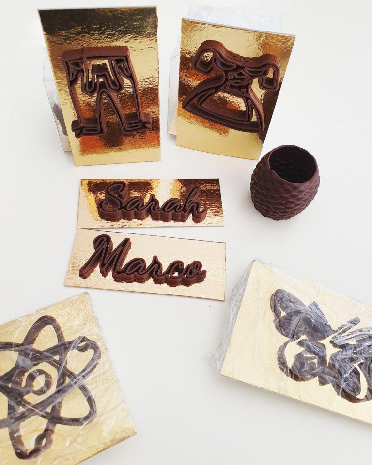 Schriftzüge und Amphoren aus dem 3D-Drucker