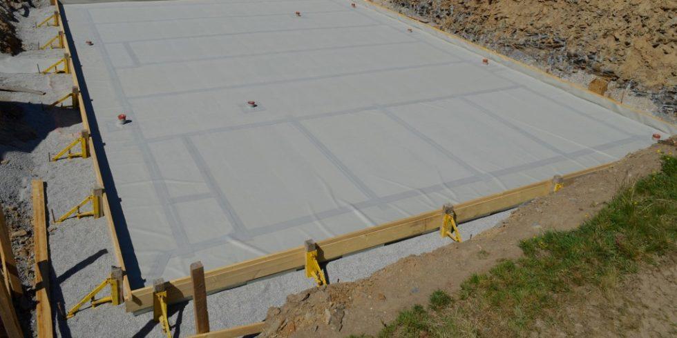 Die Hybridverbundschicht erzeugt einen Mehrfachverbund mit dem Beton und erreicht damit eine maximale Leistungsfähigkeit der FPO-basierten Frischbetonverbundbahn. Foto: Sika Deutschland GmbH