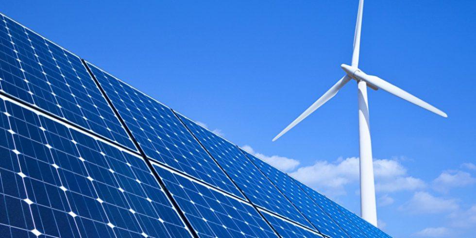 Neun von zehn Deutschen befürworten den Ausbau erneuerbarer Energien. Foto: panthermedia.net/eyematrix