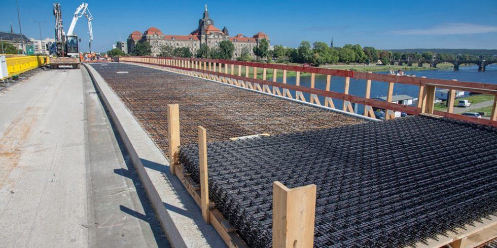 Die Carolabrücke in Dresden dient als Großversuch für den Einsatz von Carbonbeton. Abb.: Stefan Gröschel, TU Dresden