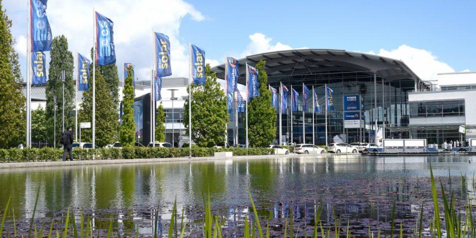 """In München hofft man auf rückläufige Infektionszahlnen und hat die ursprünglich für Anfang Juni geplante """"The smarter E Europe"""" auf Juli verschoben. Die Energiefachmesse soll als Präsenzveranstaltung durchgeführt werden. Foto: Solar Promotion GmbH"""