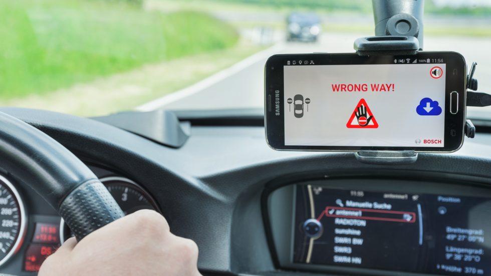 Falschfahrerwarnung via Smartphone-App