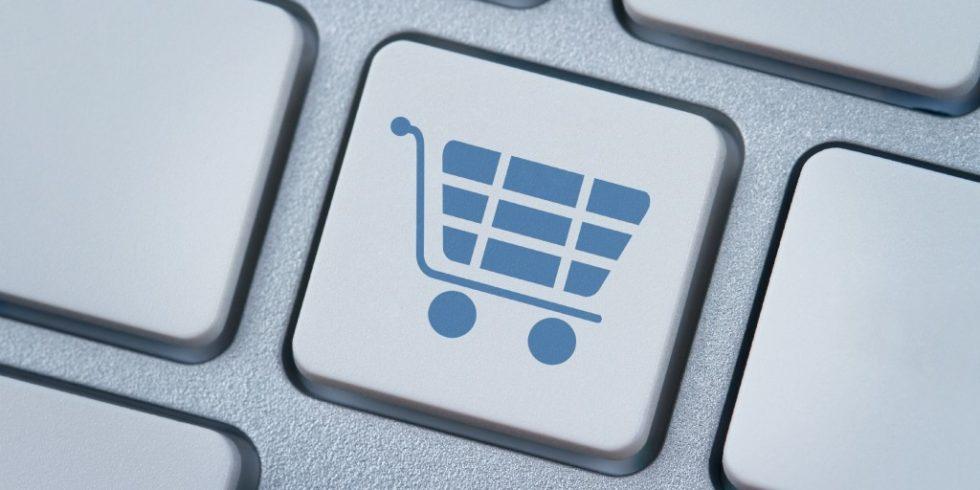Die Analyse des Onlinekaufverhaltens im Corona Consumer Check hat gezeigt: Konsumentinnen und Konsumenten sind mit ihren Onlinekäufen immer häufiger zufrieden. Foto: panthermedia.net/Rangizzz