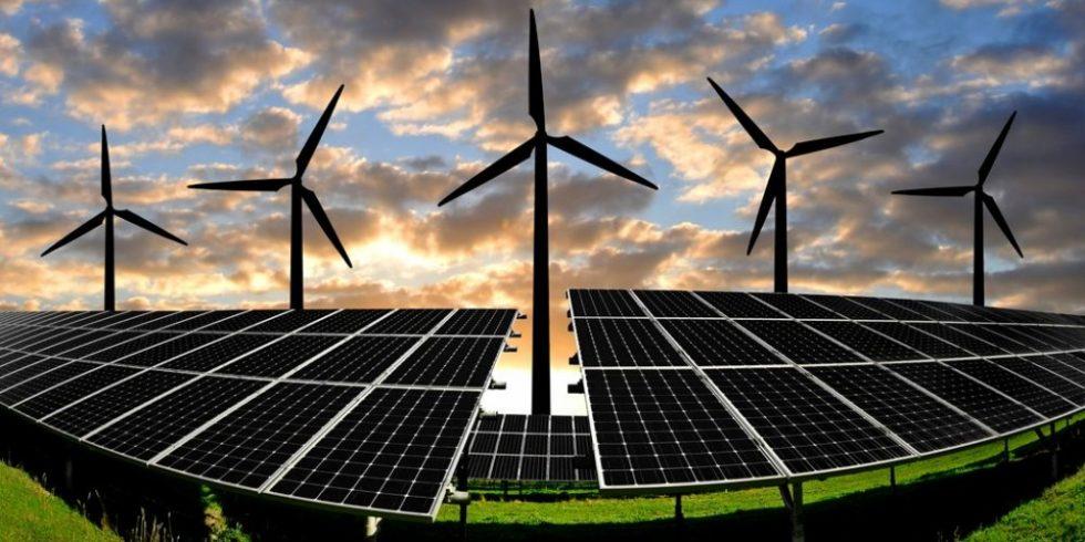 Um überschüssigen Ökostrom für dunkle und windlose Zeiten zu speichern sind Flüssigluft-Batterien eine vielversprechende Technik. Foto: PantherMedia/vencav