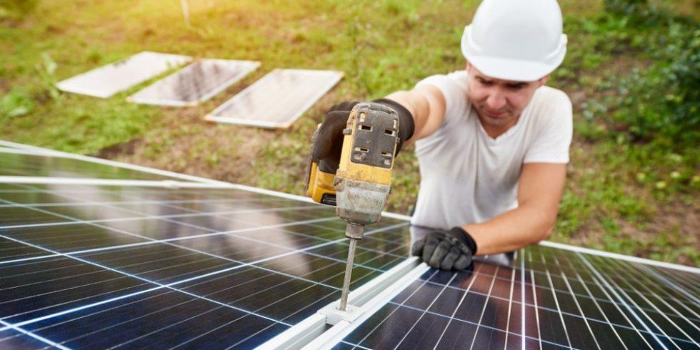 Boom bei Solarstromanlagen: Immer mehr Privathaushalte setzen bei der Energieerzeugung auf die Kraft der Sonne. Foto: panthermedia.net/anatoliy_gleb