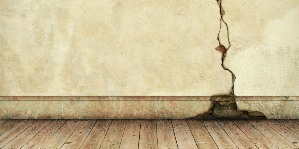 Heilen Risse durch Erdbeben oder durch Frostsprengungen bald von selbst? Foto: panthermedia.net/Binkski