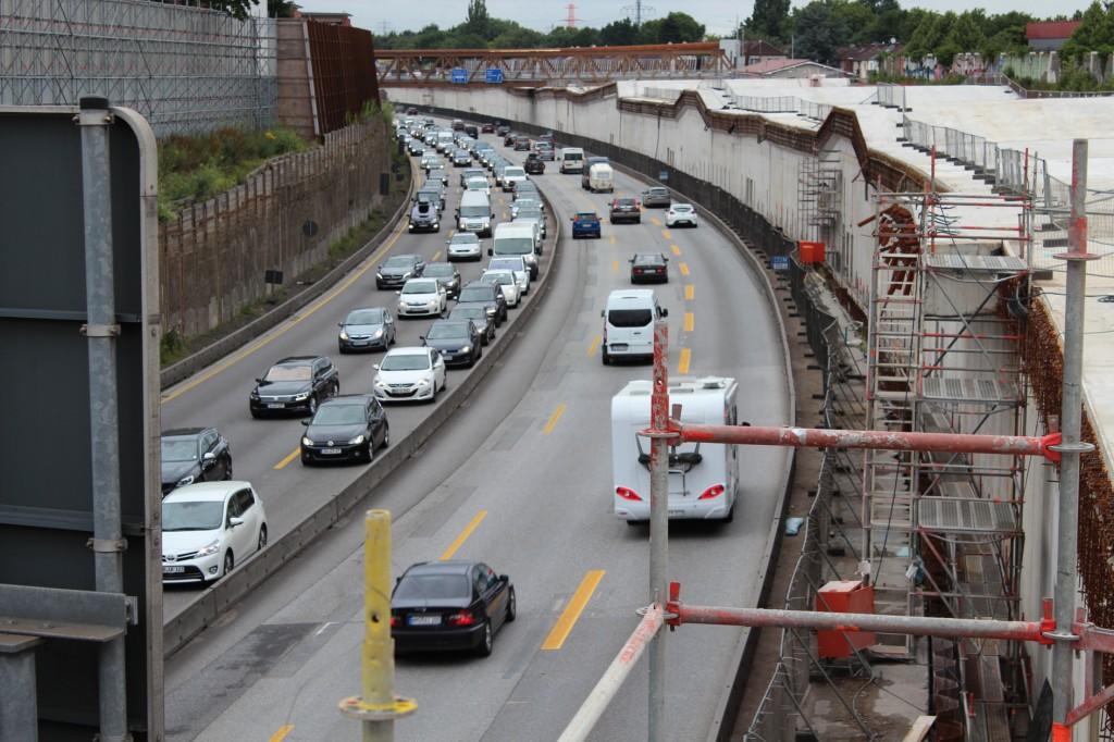 Der Tunnel wird als oberflächennahes Bauwerk errichtet