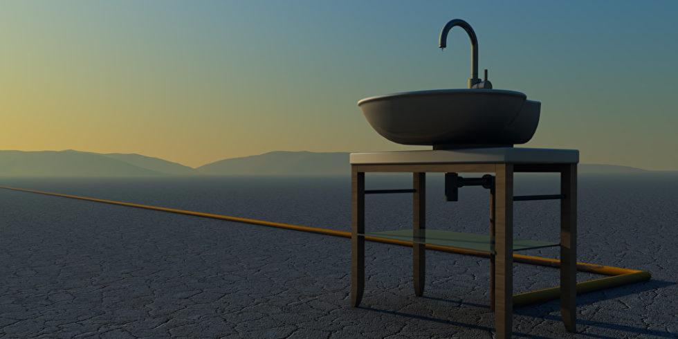 Hahn Waschbecken in Wüste