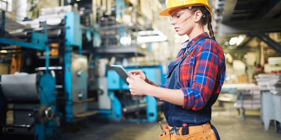 Die Automatisierung von Prozessen stellt Fabriken vor große Herausforderungen und erschwert die dringend notwendige Digitalisierung. Doch die Pandemie hat dieses Thema wieder hoch auf die Liste der Prioritäten gesetzt.Foto: AdobeStock