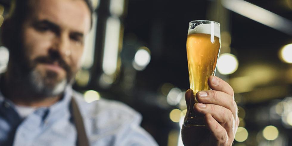 Bier wird seit Jahrtausenden gebraut - und immer noch erforscht. Foto: Panthermedia.net/ArturVerkhovetskiy