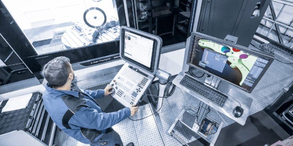 Auch in der industriellen Fertigung verspricht die Digitalisierung mithilfe neuer Technologien und Geschäftsmodelle ein deutliches Wachstum. Foto: Tebis