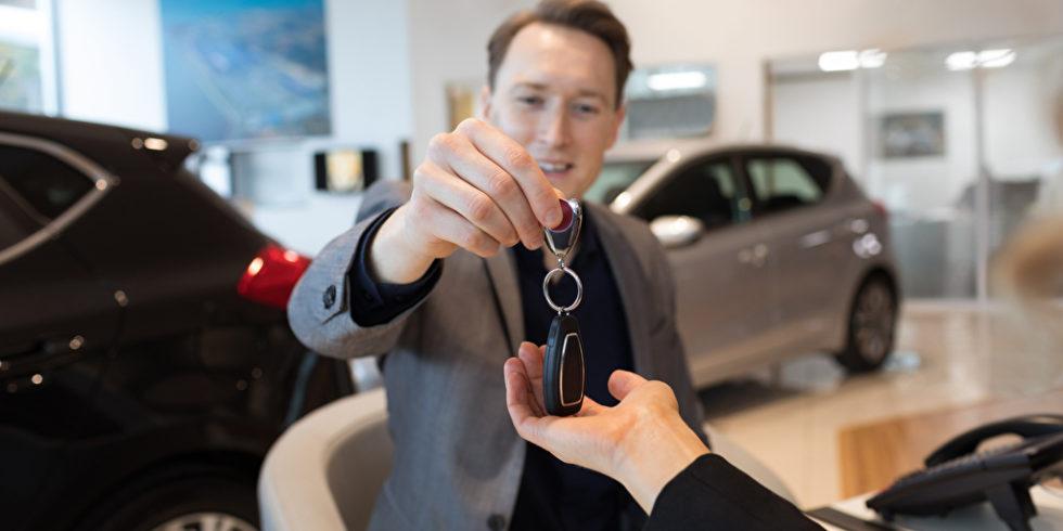 Beim Thema Firmenwagen gibt es einiges zu beachten: Wie ist der Dienstwagen zu besteuern? Wie funktioniert die 1-Prozent-Regel? Was passiert beim Unfall? Foto: Panthermedia.net/WavebreakmediaMicro