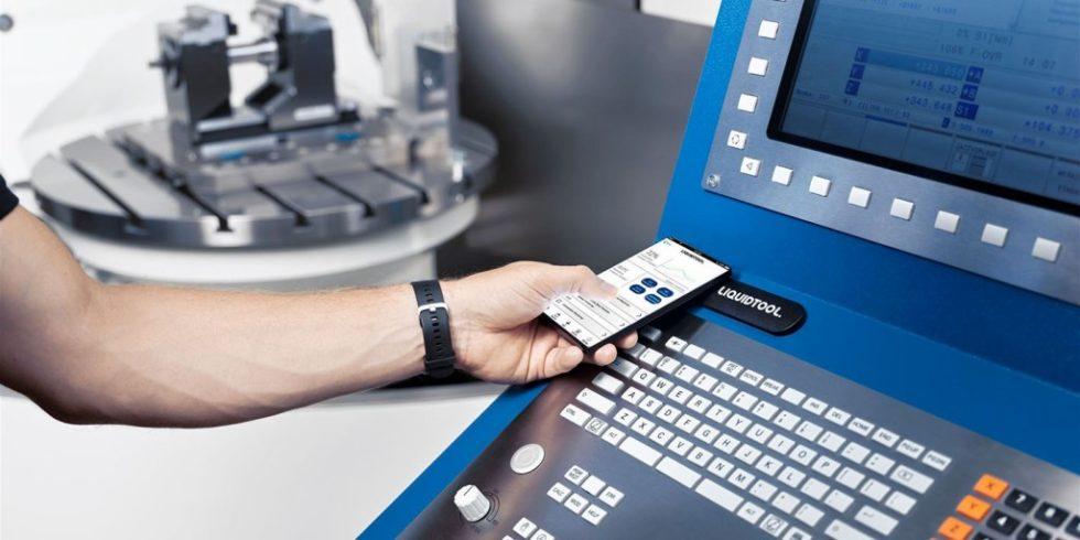 Inbetriebnahme und Bedienung der modernen Lösung für das Kühlschmierstoff-Mangement sind einfach und intuitiv. Foto: Liquidtool Systems