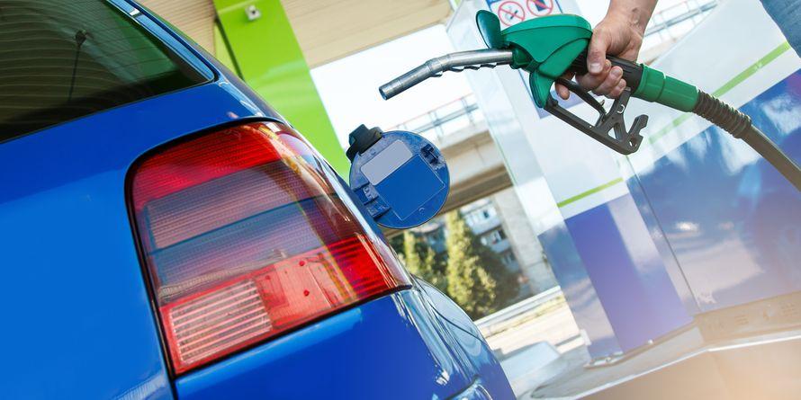 Ab 2022 wird der Diesel an 20 Tankstellen etwas grüner. PantherMedia / AY_PHOTO