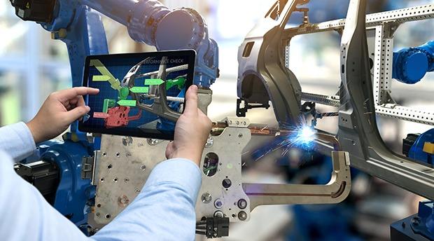 Der Digital Twin/Virtual Twin im Maschinenbau ermöglicht Unternehmen die Kommunikation zwischen Mensch und Maschine sowie alle Beteiligten untereinander. Foto: Dassault Systemes