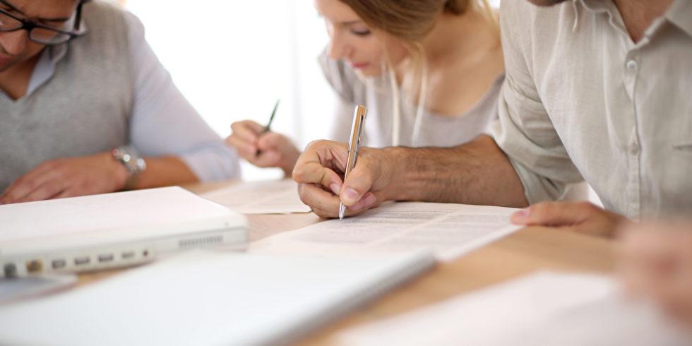 Beim Assessment Center werden Sie wahrscheinlich auch Gruppenaufgaben lösen. Foto: panthermedia.net/goodluz