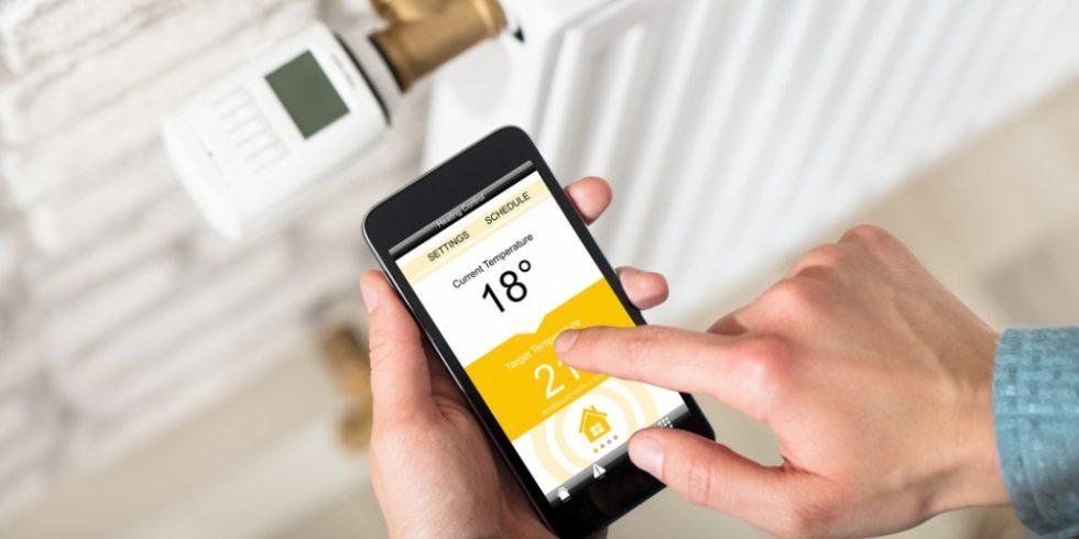 Smarte Heizungsthermostate schonen Geldbeutel und Umwelt - dennoch fehlt die Akzeptanz beim Verbraucher. Foto: panthermedia.net/ AndreyPopov
