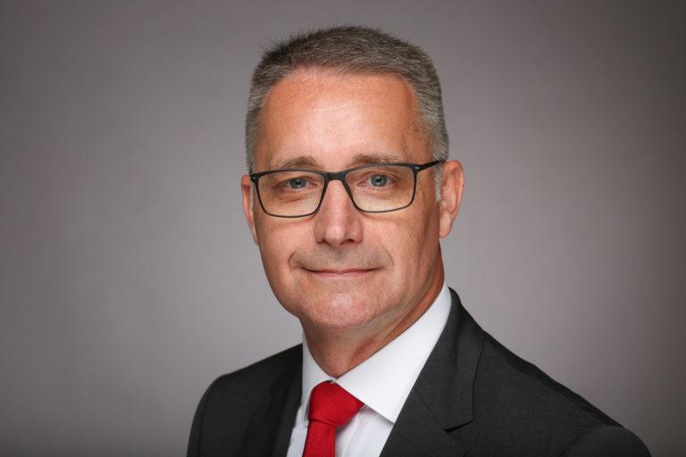 "Dr.-Ing. Kurt D. Bettenhausen, Vorstand ""Neue Technologien und Entwicklung"", HARTING Technologiegruppe."