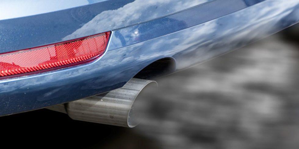 Durch den Autoverkehr gelangen mehr Stickoxide in die Stadtluft als gedacht. Foto: PantherMedia/w20er
