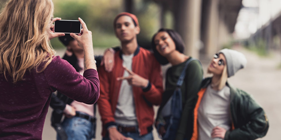 Bei der Foto-App Poparazzi sind Selfies unerwünscht. Foto: Panthermedia.net/ArturVerkhovetskiy