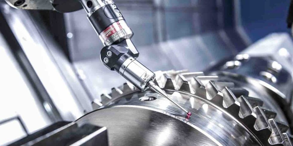Scannender Messtaster beim Rundlaufmessen: Moderne Fertigungsmesstechnik direkt in der Maschine sollte ein integraler Bestandteil der Produktion von heute werden. Foto: Blum/WFL