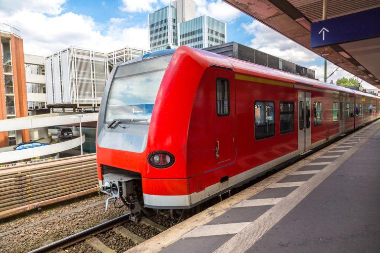 Der Hauptbahnhof in Hannover: Dort strandet man als Bahnfahrer bisweilen unfreiwillig. Foto: Panthermedia.net/bloodua