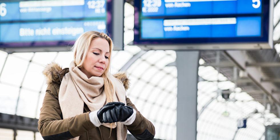 Die Bahn nennt eine Verspätung erst so, wenn der Zug mindestens 6 Minuten zu spät eintrifft. Auf manchem Bahnstrecken kommt das besonders häufig vor. Foto: panthermedia.net/Kzenon