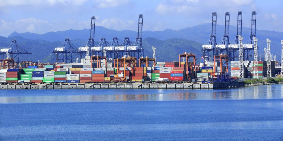 Der Yantian-Hafen der Handelsmetropole Shenzhen in China ist nach einem Corona-Ausbruch dicht. Foto: panthermedia.net/lzf