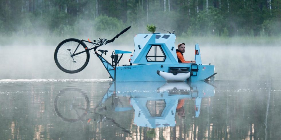Fahrrad-Camper liegen im Trend, es gibt Modelle für ganz unterschiedliche Ansprüche. Besonders exotisch ist der Z-Triton von Zeltini: Der Camper ist ein Amphibienfahrzeug. Foto: Zeltini