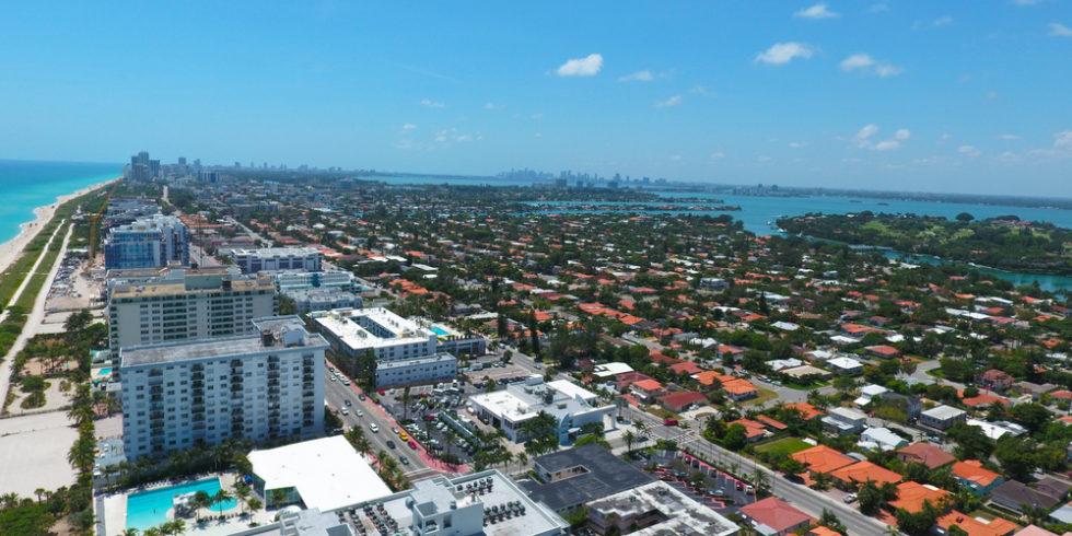 In Surfside nahe Miami Beach in Florida ist ein Hochhaus teilweise eingestürzt. Foto (Archiv): Panthermedia.net/alexmillos
