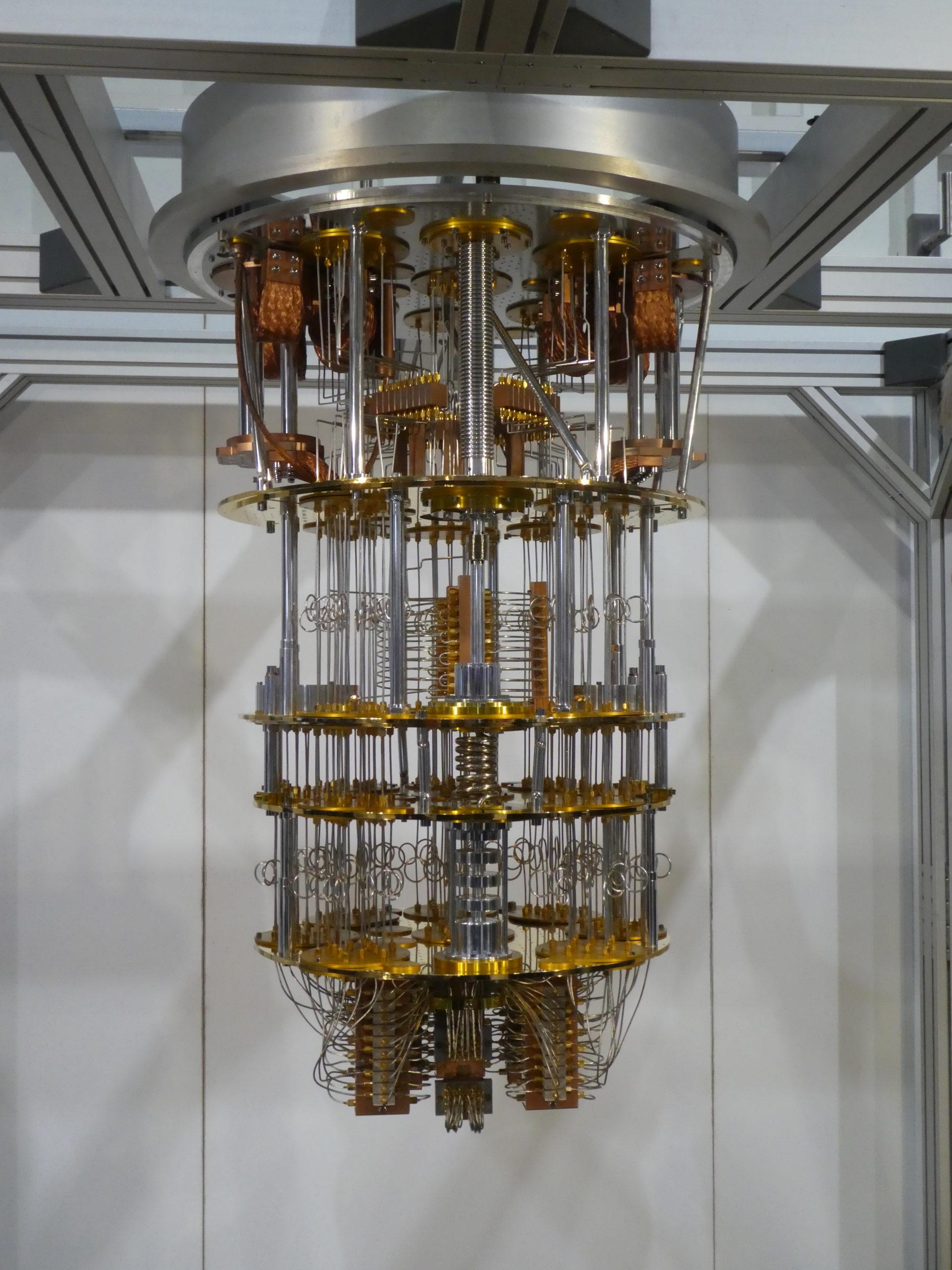 Modell des Innenlebens des Quantencomputers, ausgestellt von IBM auf dem Digitalgipfel der Bundesregierung 2019. Foto: Jens D. Billerbeck