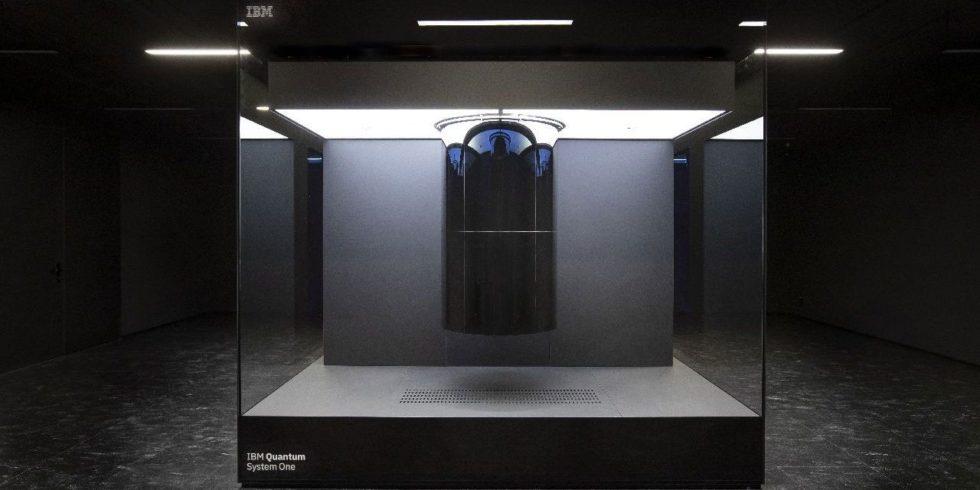 IBMs Quantum System One in Ehningen. Betrieben wird der Quantencomputer gemeinsam mit der Fraunhofer-Gesellschaft. Foto: IBM Research